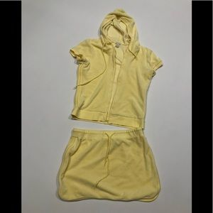 🎂 Halogen yellow velvet set hoodie and skirt
